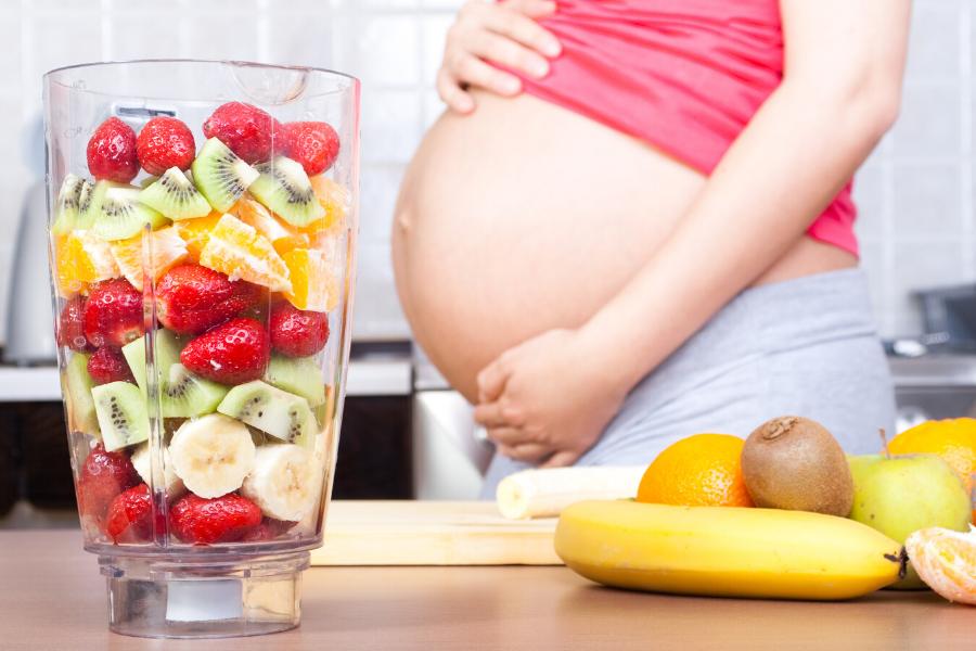 Ishrana u trudnoći: šta smete jesti, a šta ne