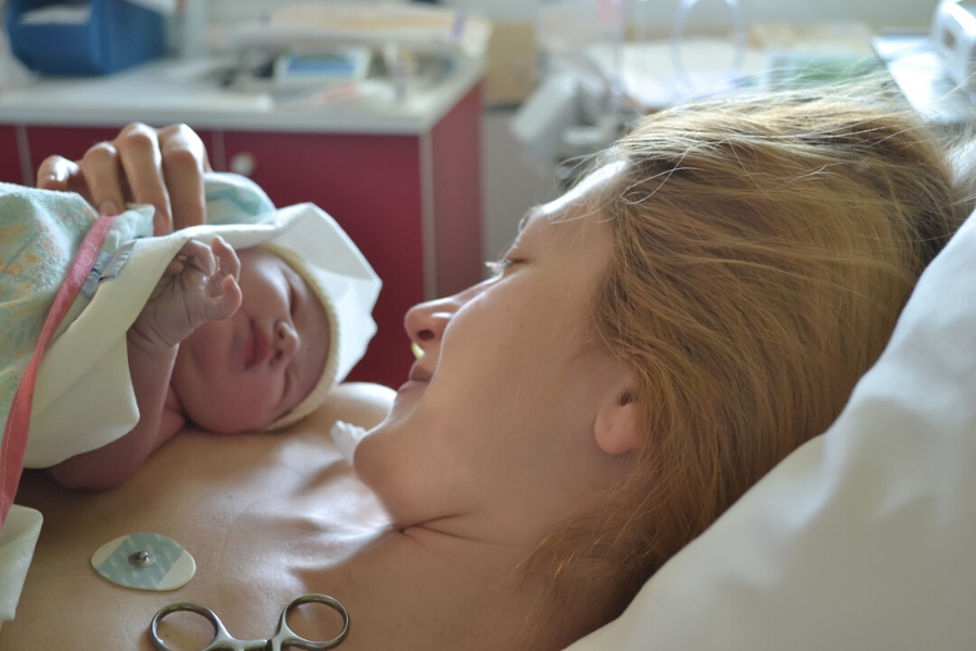 majka i dete nakon porodjaja
